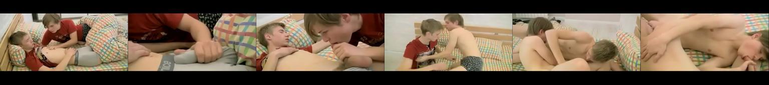 Nastolatek kamery nago